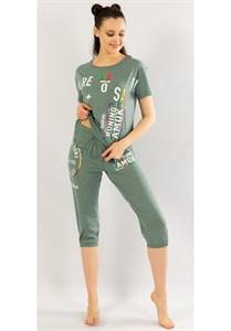 Женский комплект футболка с капри